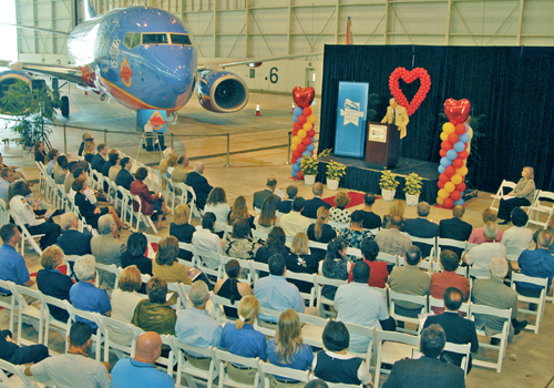 Hangar Scene of Presentation, 4 Apr '07.jpg