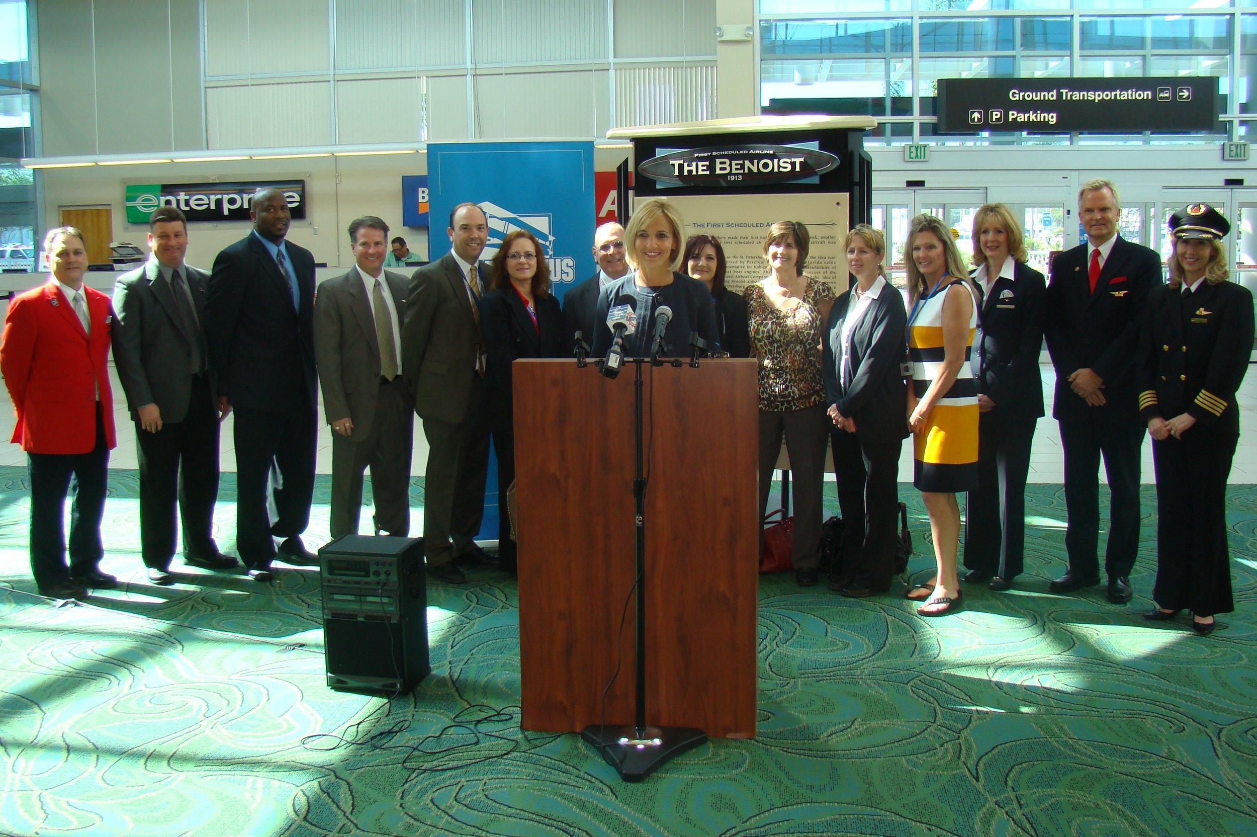 Allison Ausband & Delta Air Line Associates @ PIE Press Conference - 1, 24 Apr '13.JPG