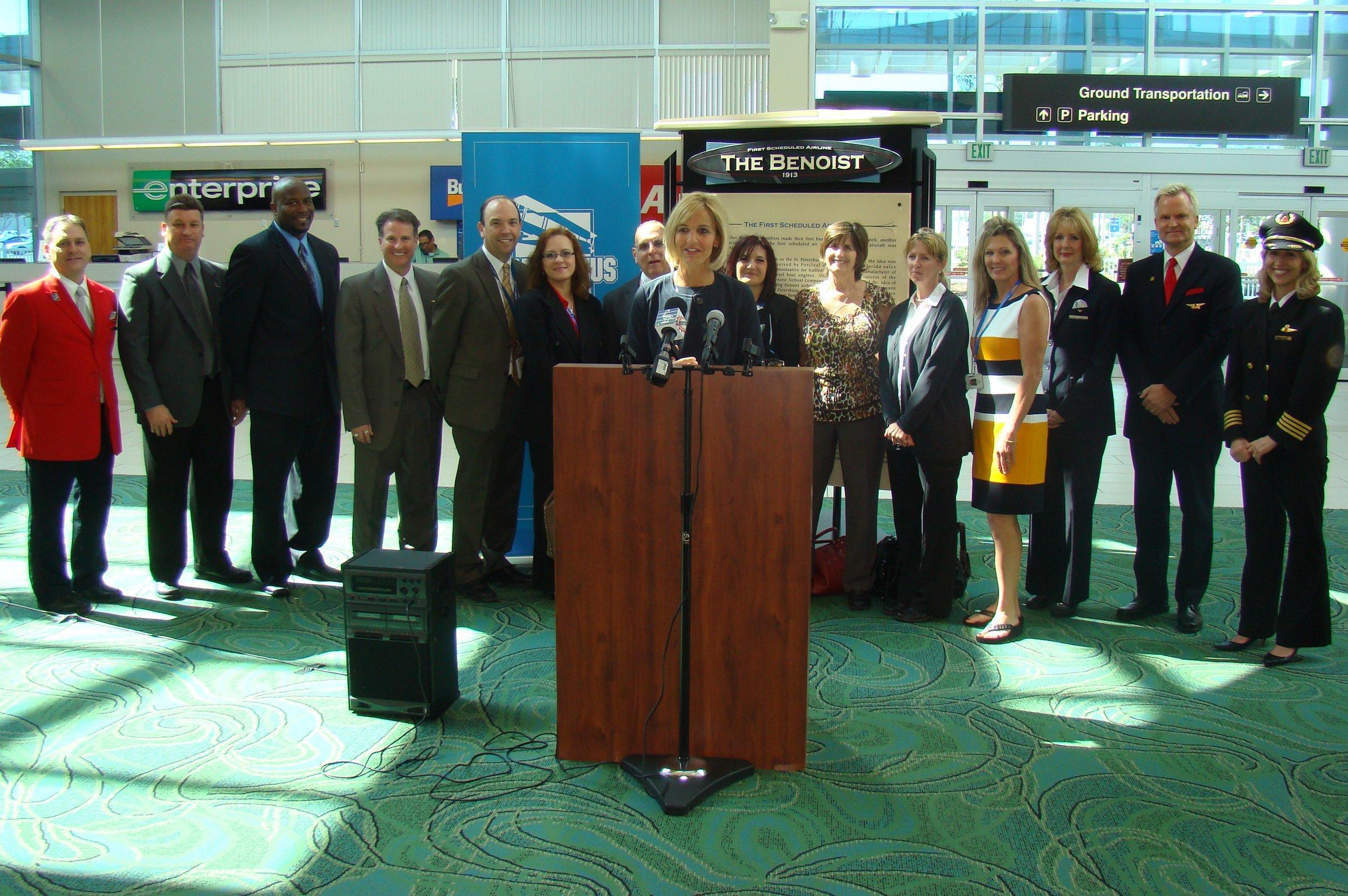 Allison Ausband & Delta Air Line Associates @ PIE Press Conference - 2, 24 Apr '13.JPG