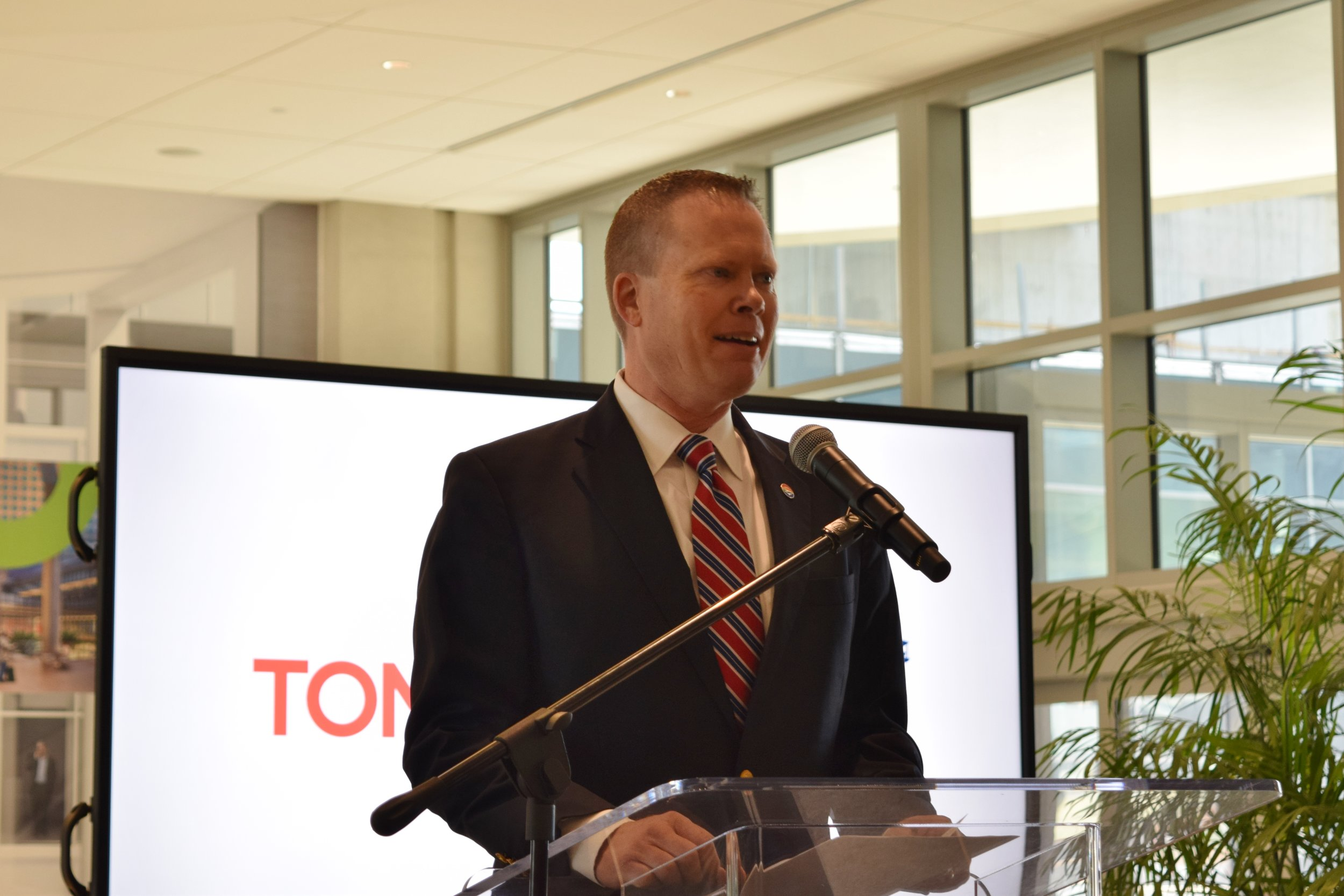 Chris Minner welcoming Press Confeence attendees to Tampa International Airport, 9 May '17.JPG