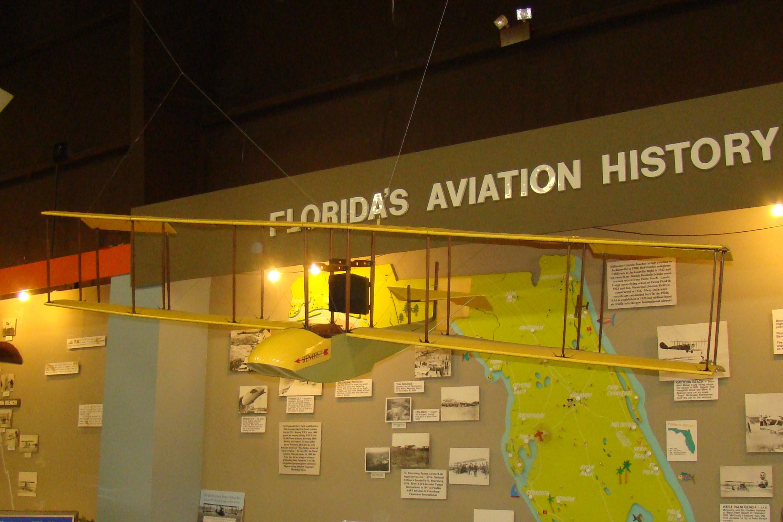 Florida Air Museum, Benoist Replica - 1, 18 Jan '12.JPG