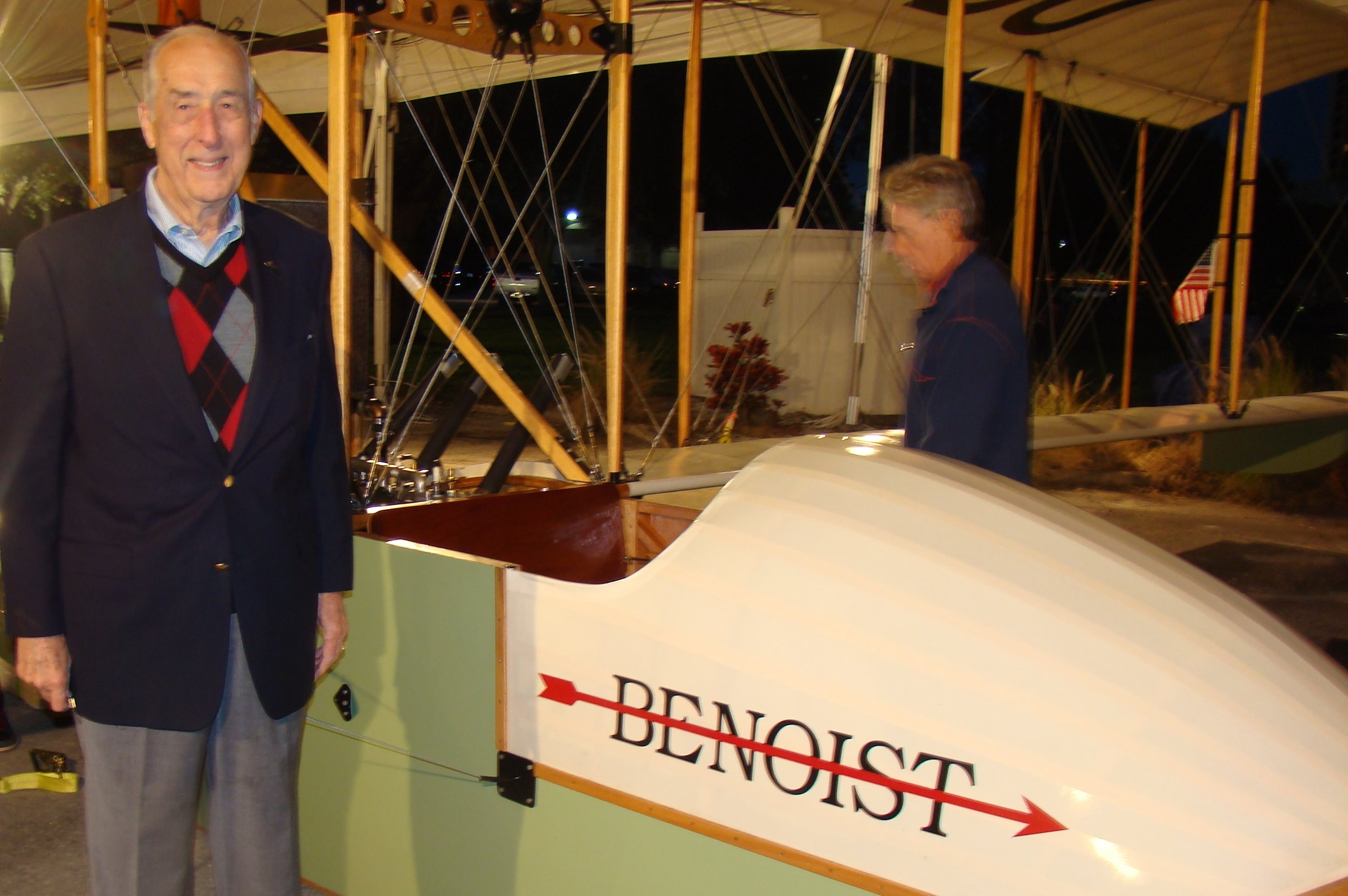 Dick Newton by Benoist Airboat, 31 Dec '13.JPG