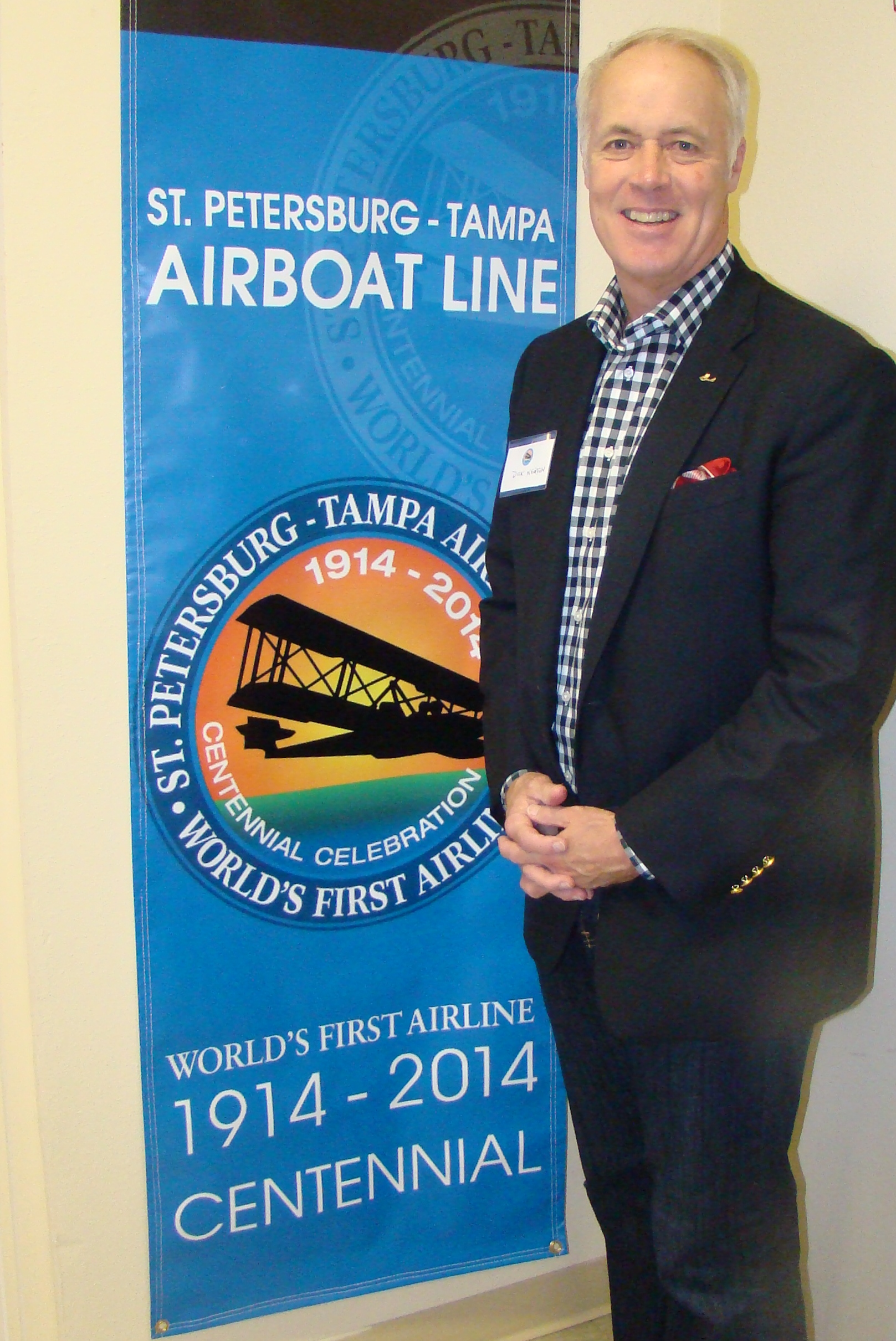 Dick Newton, III with Flight 2014 Pennant, 1 Jan '14.JPG
