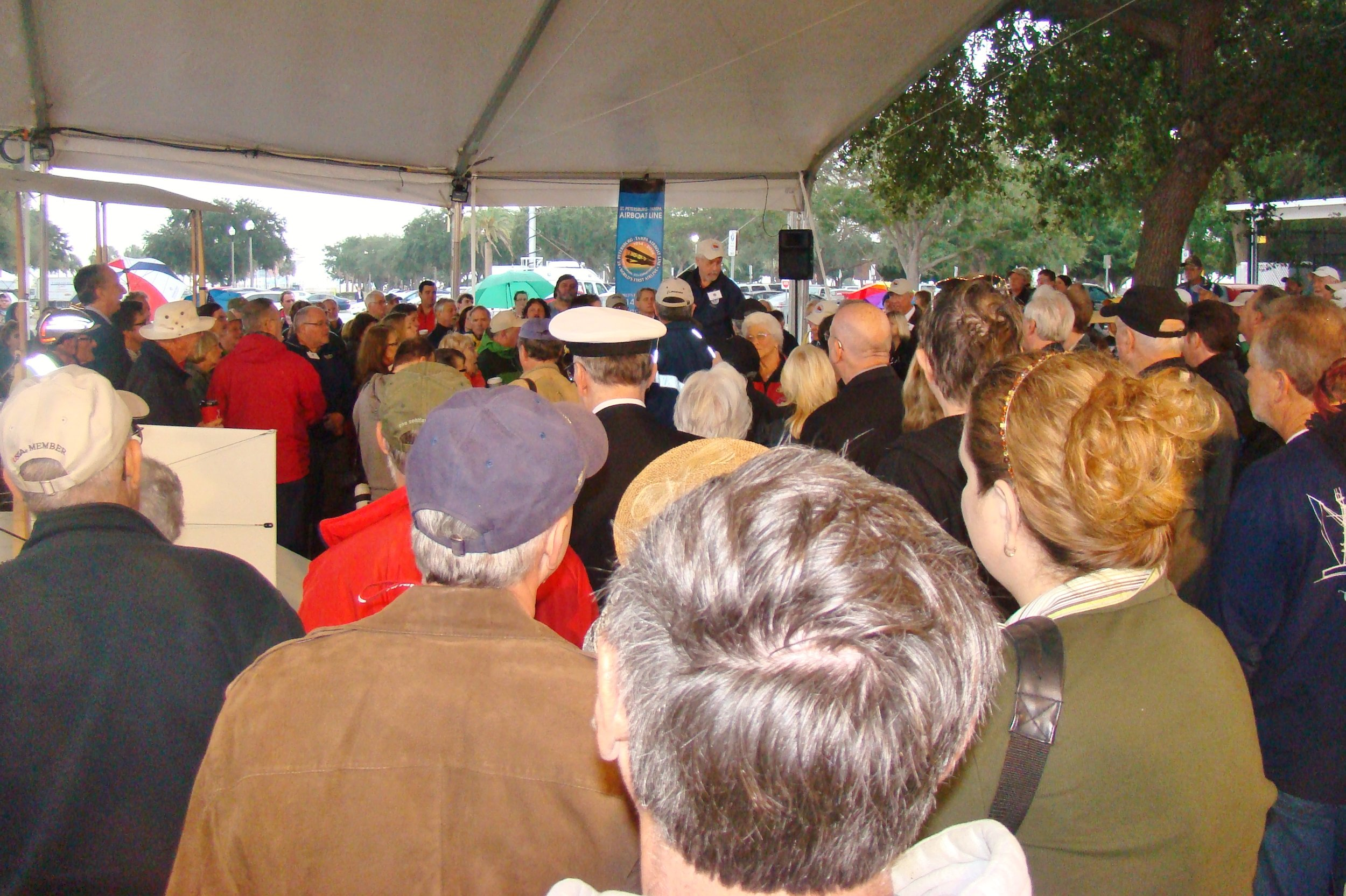 Kermit Weeks addressing group @ Benoist Airboat,1 Jan '14.JPG