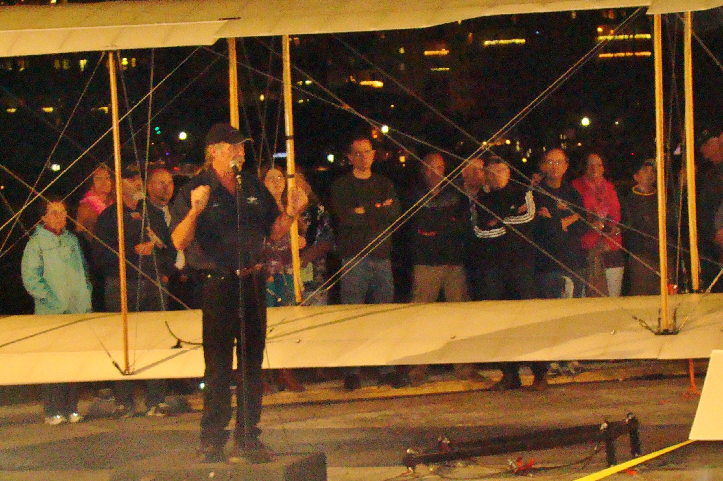 Kermit Weeks discussing the Benoist Airboat, 31 Dec '13.JPG