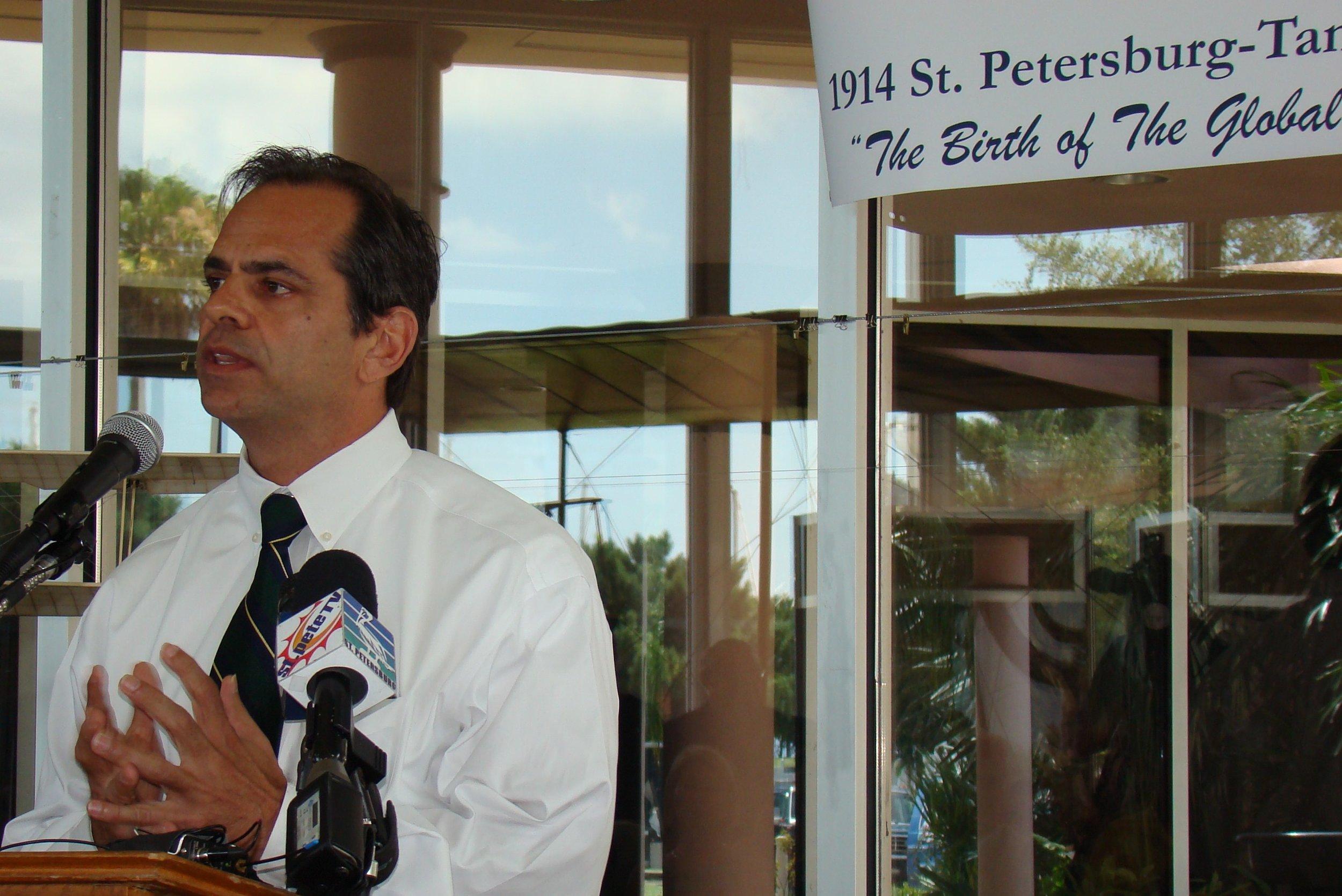 Chris Steinocher addressing attendees, 14 Jun '12.JPG