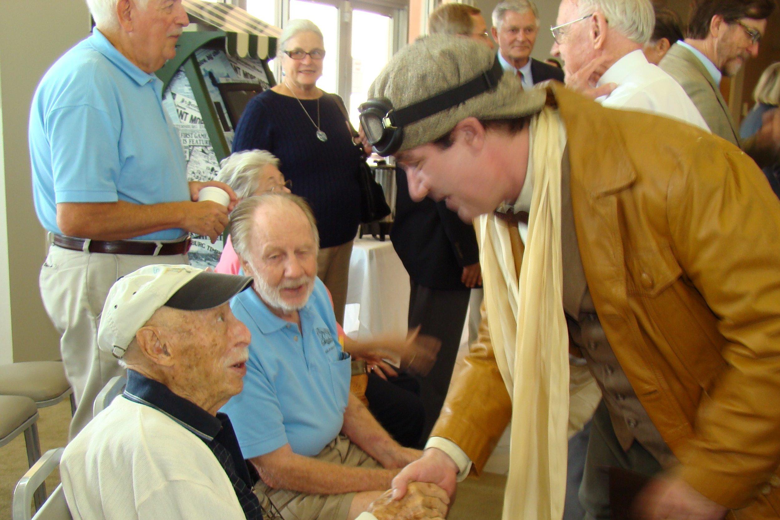 Tony Jannus welcomes Mike Ettinger, 14 Jun '12.JPG