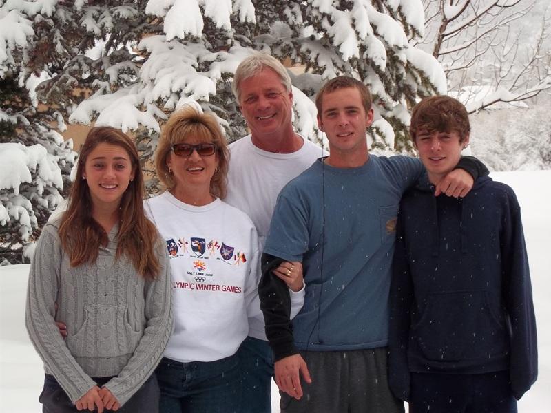 Clara, Colleen, Bill, Christain & Kevin, Dec '10.JPG