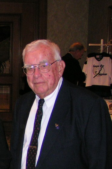 Larry and Eddie March, Bob Cutler, plus 1 WWII Veteran, 12 Nov '05.jpg