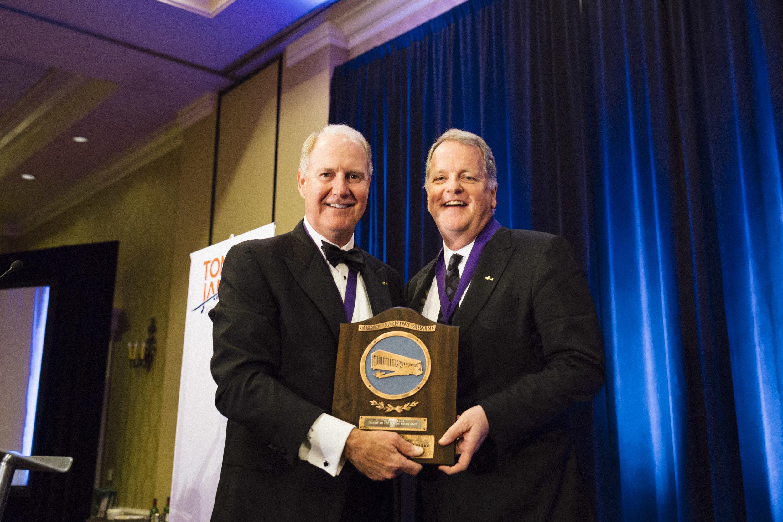 Gary Kelly presenting the Tony Jannus Award to Doug Parker
