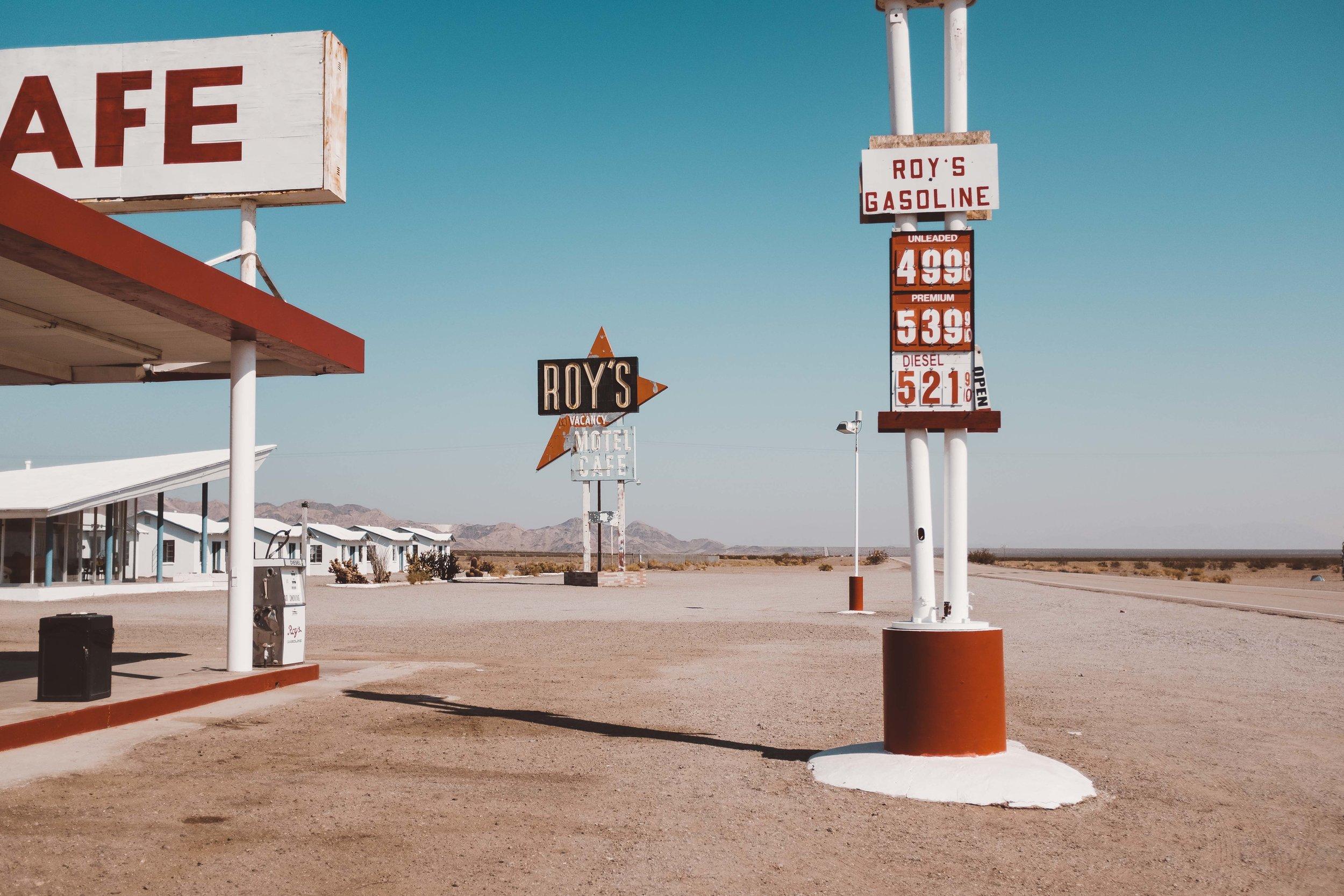 Roys Motel & Cafe, California