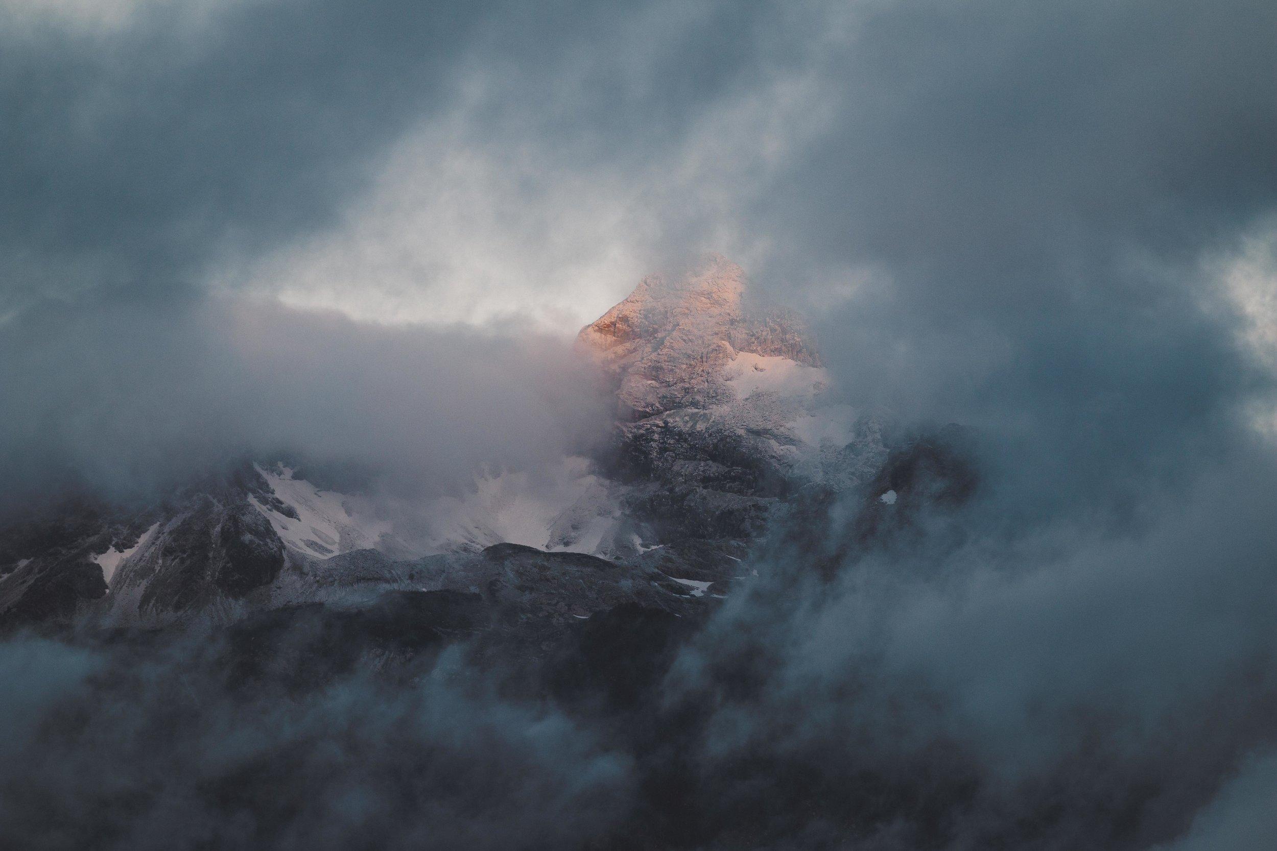 Yellowstone 2018 VSCO james glacier-2.jpg