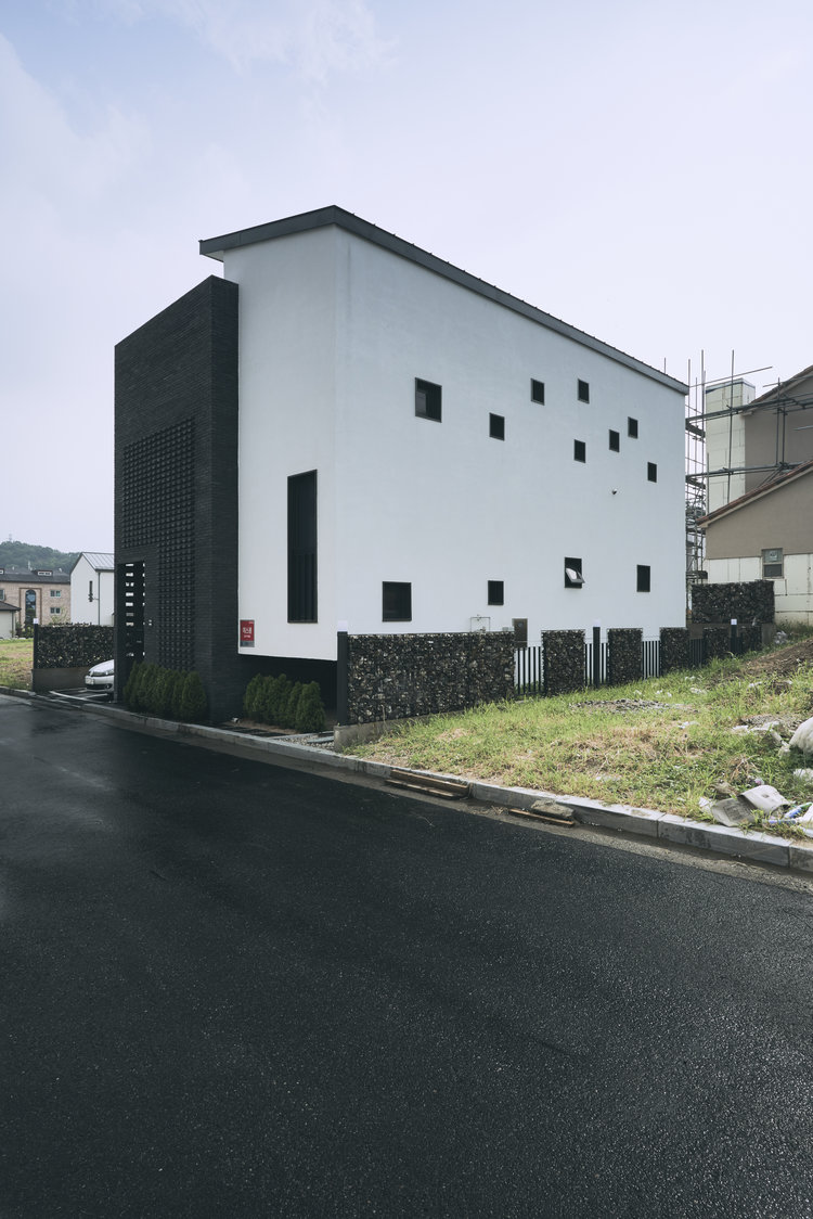Brick and Render Elevation - Layer House, Seoul, South Korea - Prime Architecture