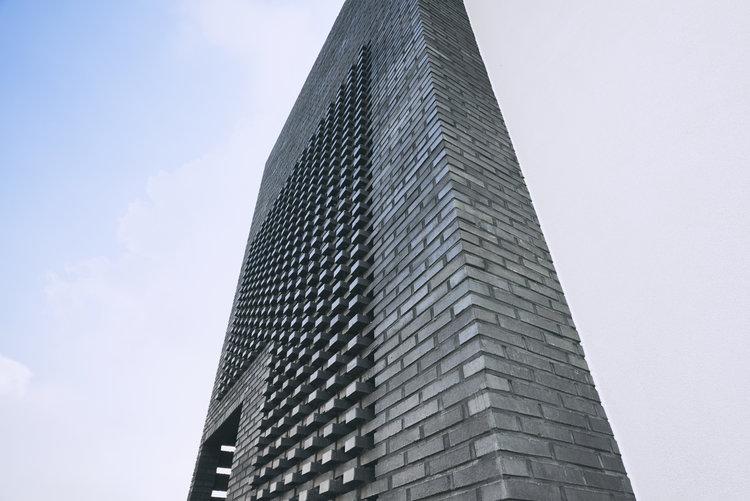 Layer+House_Prime+Architecture+London_Primebuild_Renovation_Extension_Rear_Loft_Basement_New+Built_Korea_01_Black+Brick.jpg