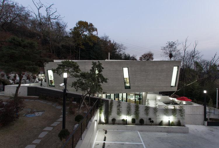 Gatehouse_Exposed+Concrete_Korea_Prime+Architecture+London_Primebuild_01.jpg