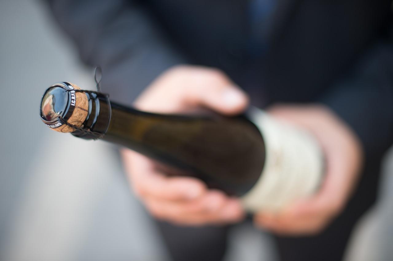 bottle-2147806_1280.jpg