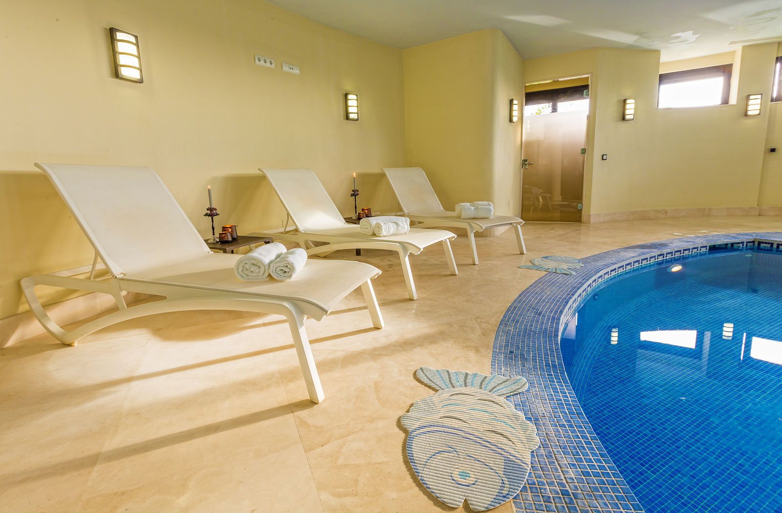 30-Indoor-Pool-Chairs.jpg