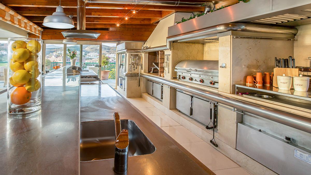 74 Professional Kitchen.jpg