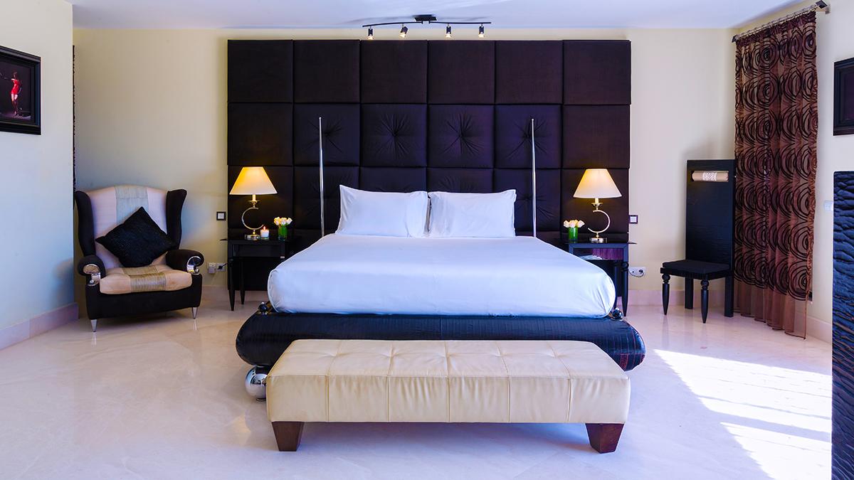 51 Master Bedroom 1.jpg