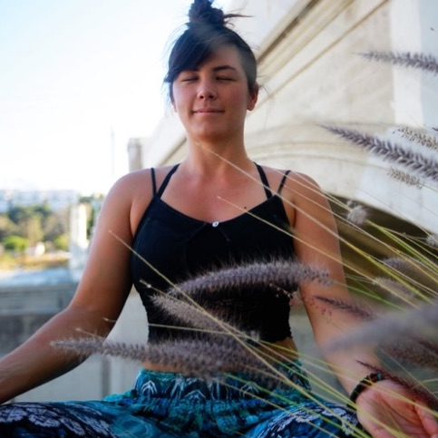 Lindsey Kimura   A natural seer, intuit, and healer with formal training in Public Health, Reiki, Crystal Healing, and Tarot.