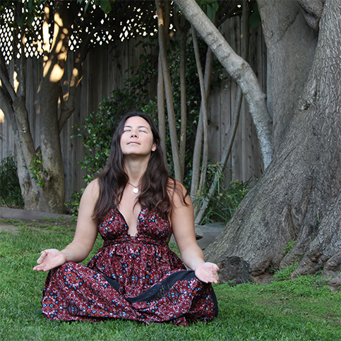 Lindsey Kimura   Expert crystal reader with formal training in Public Health, Reiki, Crystals, and Tarot