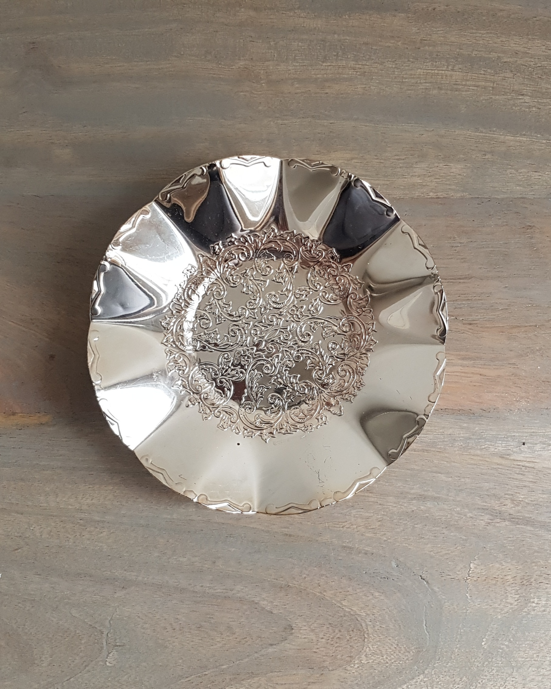 "6"" Round Antique Tray - $3"