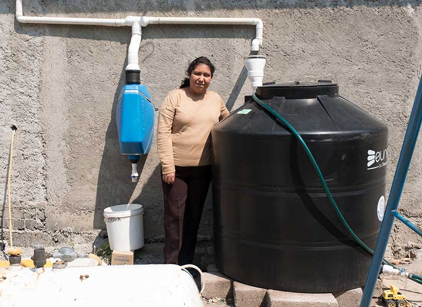 Mexico News Daily - Through a Non-Profit Group Tlaloc the Rain God Provides Water in CDMX and Beyond     Photo credit: Isla Urbana