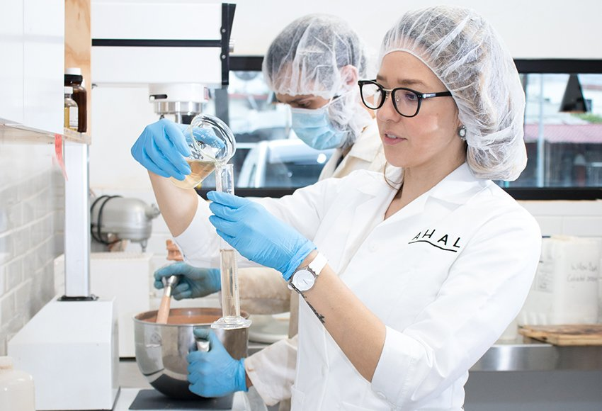 MEXICO NEWS DAILY - Ahal: Changing the Face of Mexican Cosmetics with Natural Products     Photo credit: Ahal