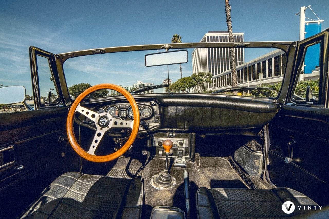 Vinty-classic-car-rental-1969-MG-MGB-min-min.jpg