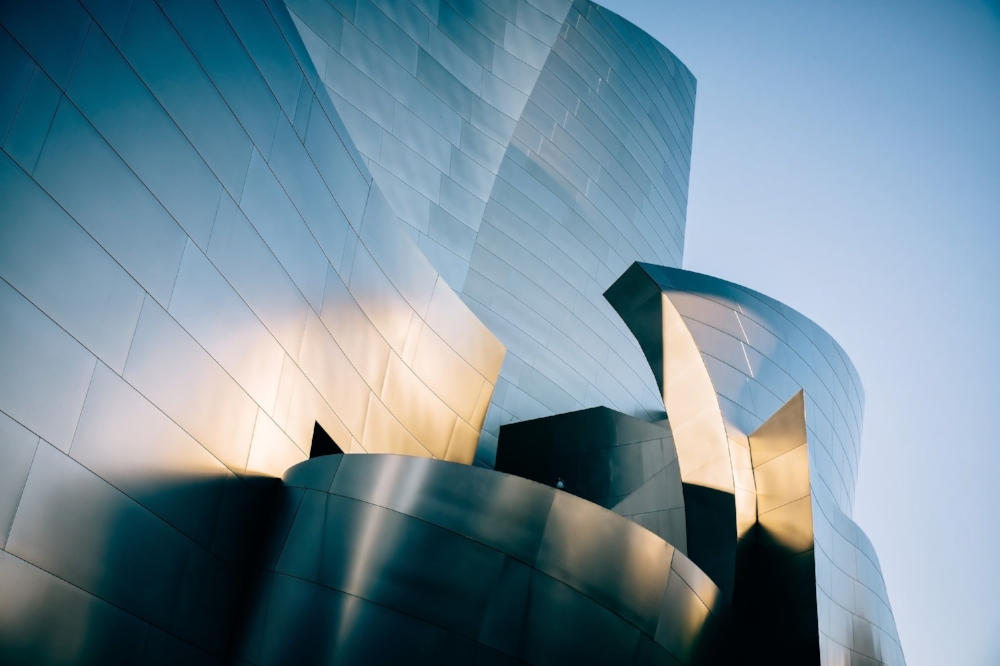 Designed by the famous architect Frank Gehry, the  Walt Disney Concert Hall  projects an air of modernism infused with sleek architectural lines and fantastic lighting. The attention to detail here is literally off the roof – there's a miniature secret garden and an enthralling fountain to complement the concert hall's futuristic design, this is aside from several other design Easter eggs you're better discovering yourself. From a creative standpoint, the Walt Disney Concert hall is every photo enthusiast's ultimate playground.
