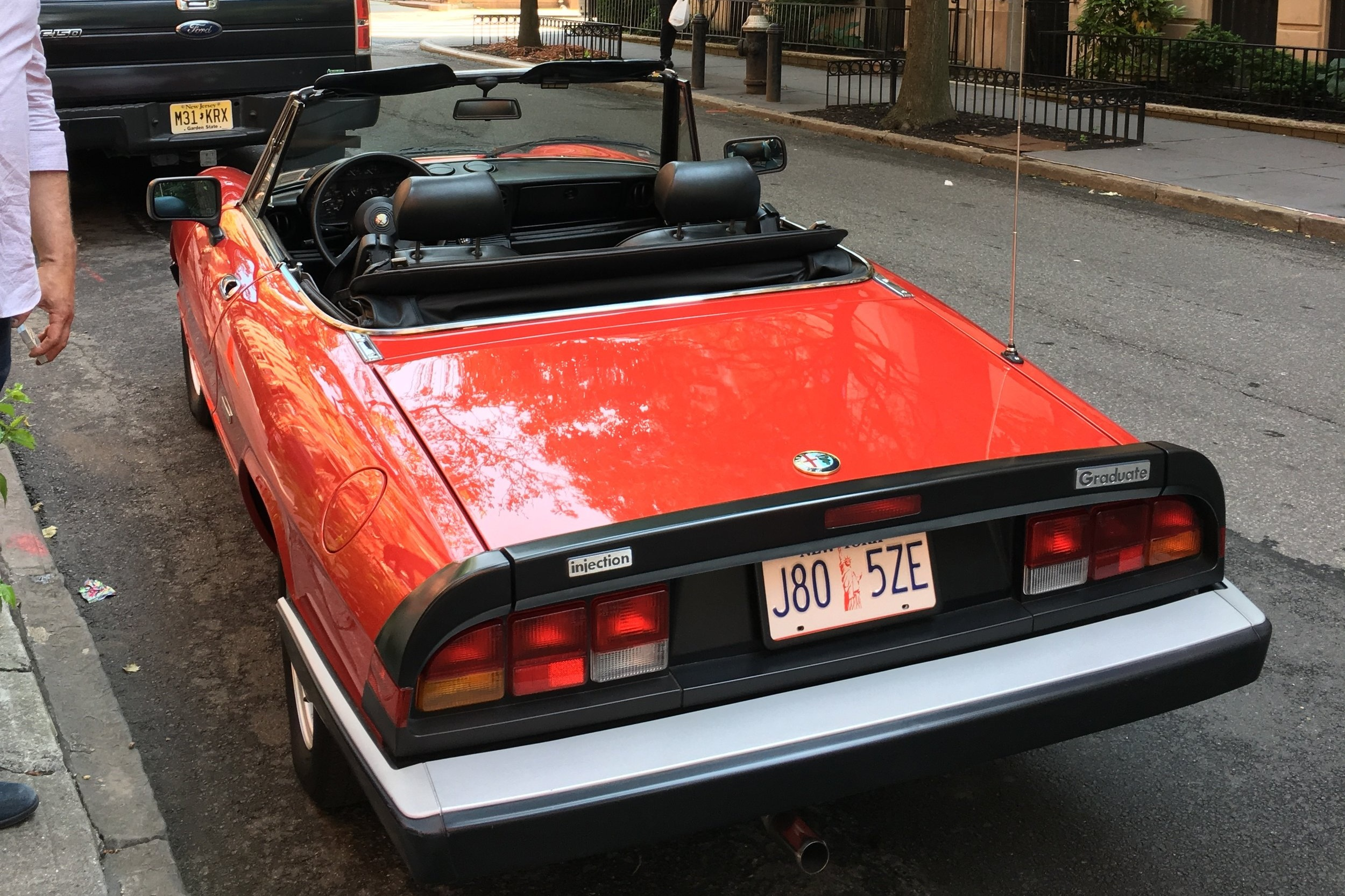John's  '88 Alfa Romeo  was in showroom condition and fit the producition's specifications perfectly.