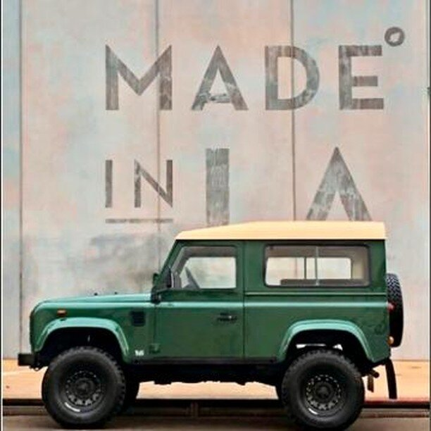 Classic Land Rover Defender 90 in pristine condition. Classic colors including British Green with a white hardtop, black leather seats and bench-style seating in the back. This has been restored to keep its classic charm. It is ready for your next #photoshoot!⠀ •⠀ •⠀ •⠀ #classiccars #classiccar #classiccarrental #classiccarrentals #carrental #carrentals #vintagecar #vintagecars #vinty #drivevinty #car #instacar #instacars #dreamcars #carlifestyle #carinstagram #cargramm #cargram #caroftheday #amazingcars247 #stanceNation #superstreet #drivetastefully #california #CA
