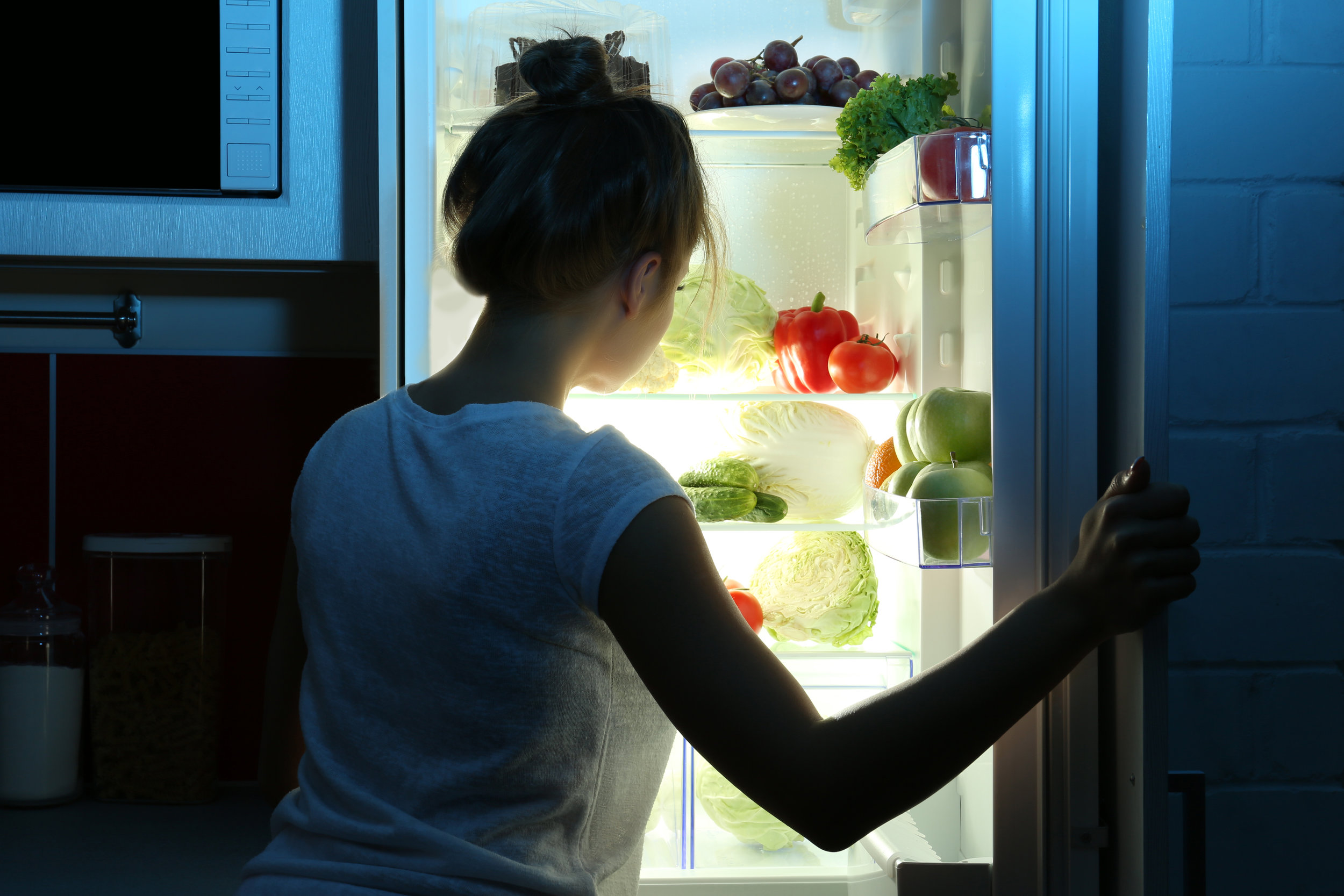 Eating late at night has been found to disrupt normal circadian rhythms, and is associated with insulin resistance and weight gain.