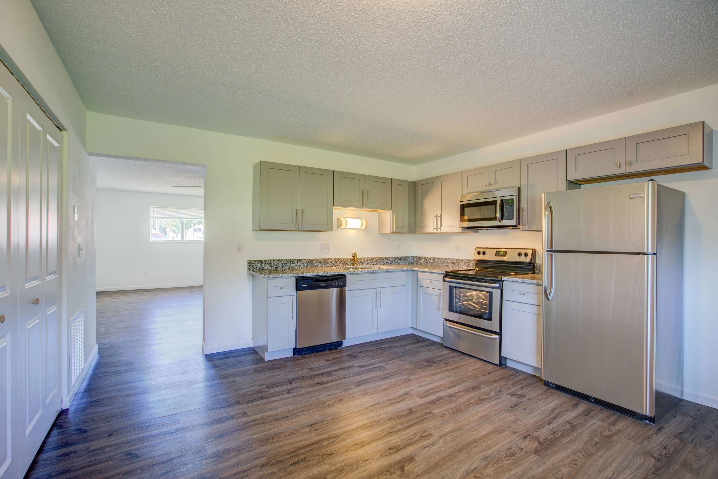 The Griffith - 2 Bed | 2 Bath | 1200 SF$915 Per MonthAvailable June 25th!