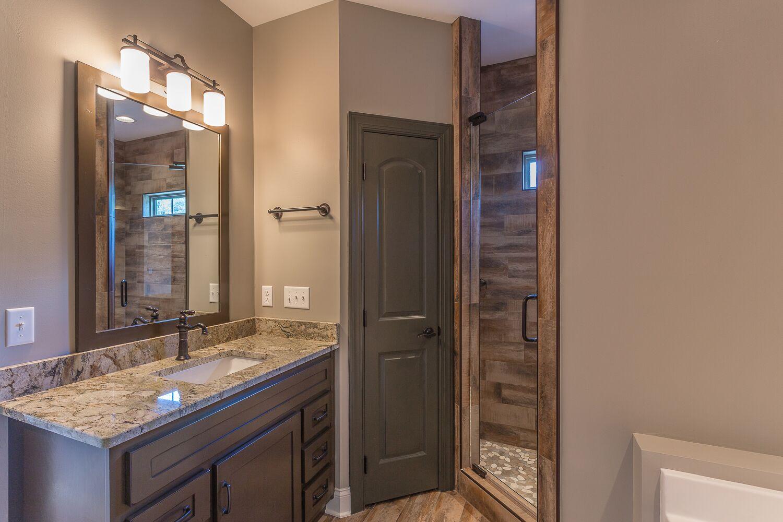 Bathroom_3.jpeg