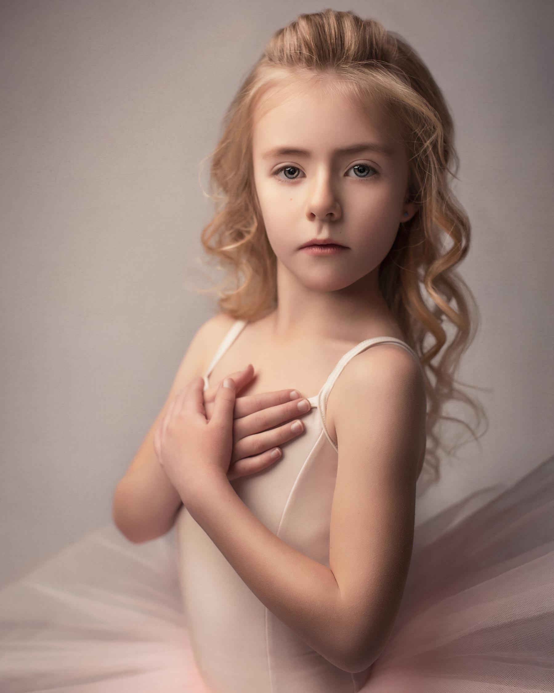 barbara_macferrin_photography_boulder_colorado_80303_fine_art_children_ballerina_girl_pink.jpg