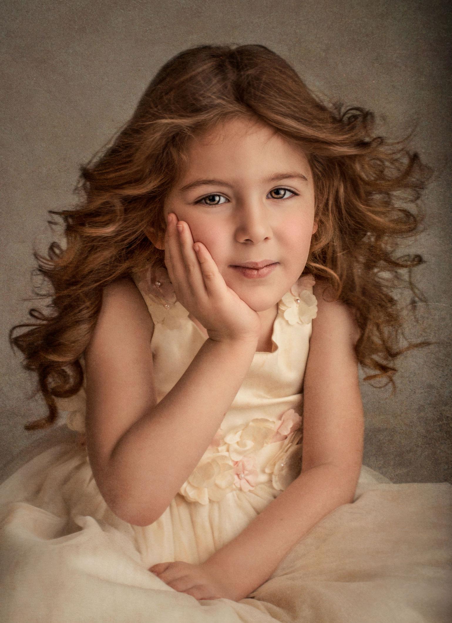 barbara_macferrin_photography_boulder_colorado_80303_fine_art_children_girl_long_hair_dress.jpg