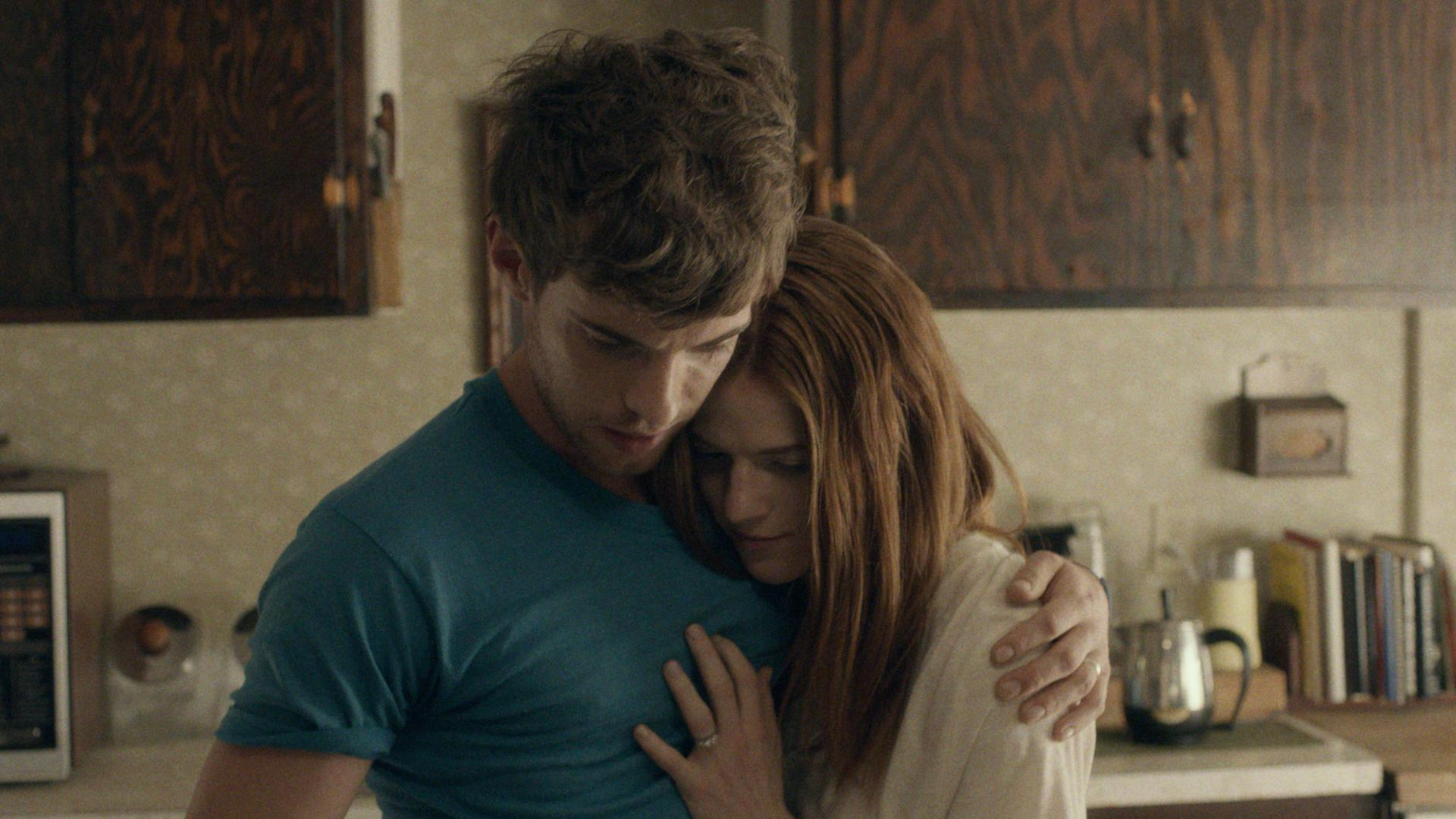 still-of-harry-treadaway-and-rose-leslie-in-honeymoon-2014-large-picture.jpg