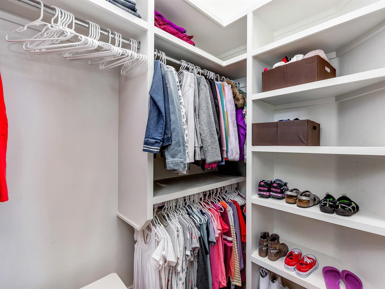 027_Bedroom Closet.jpg