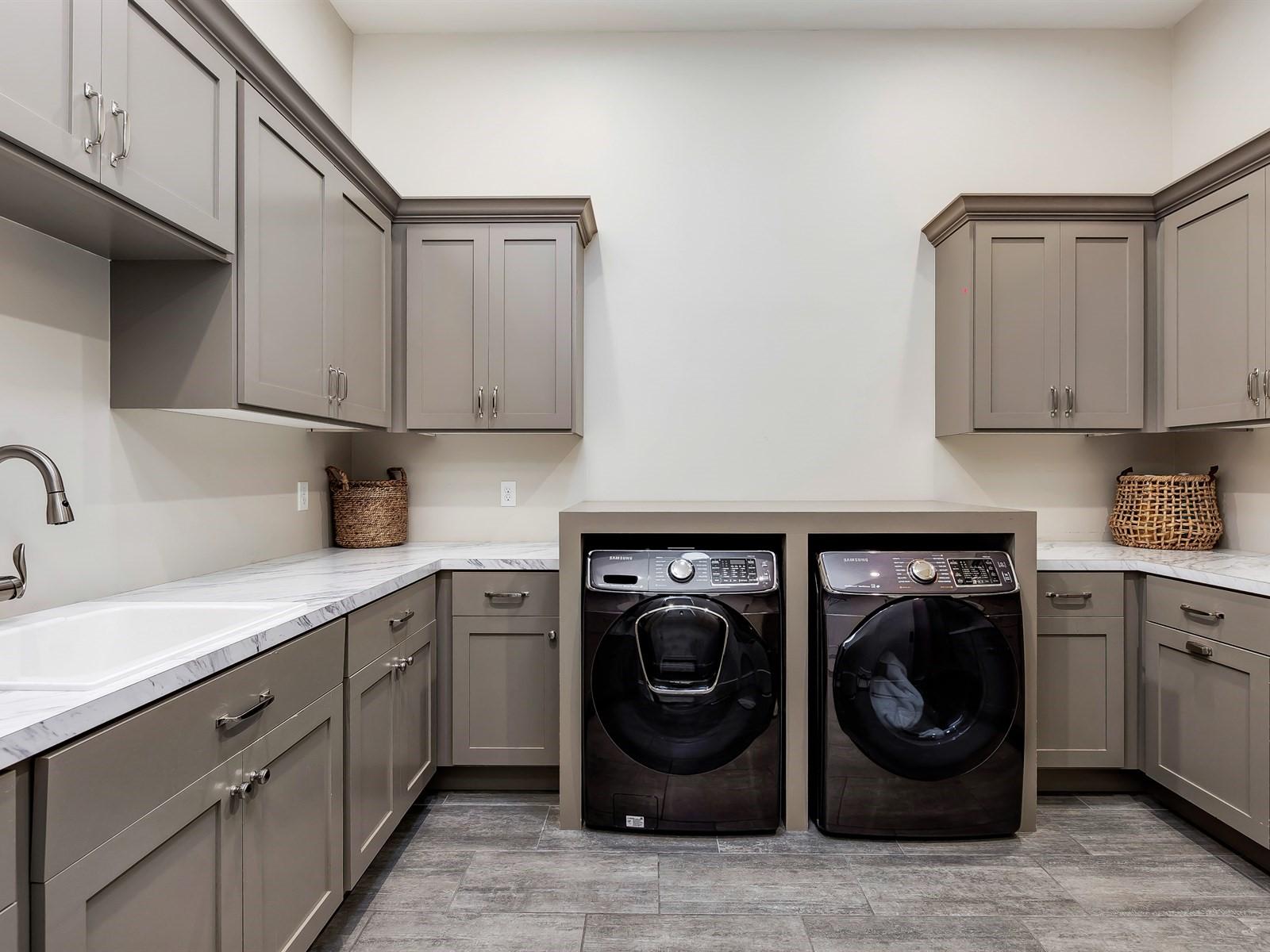 035_Laundry .jpg