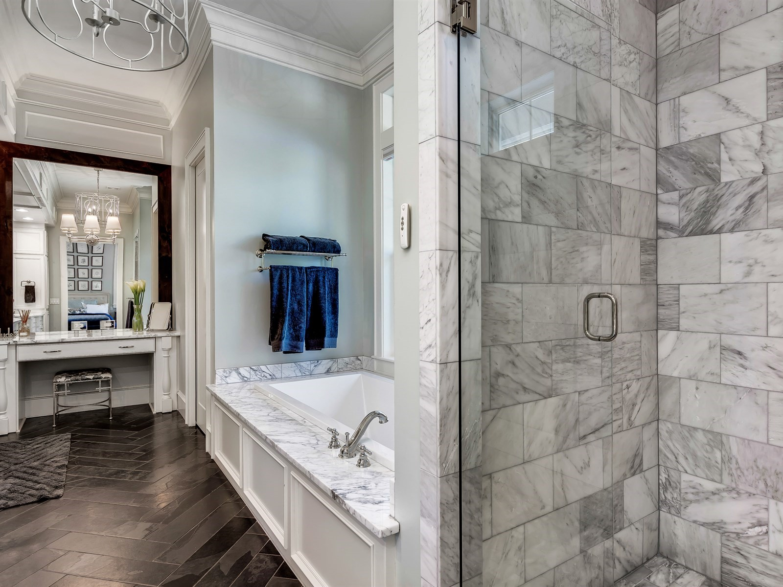 040_Master Bathroom .jpg