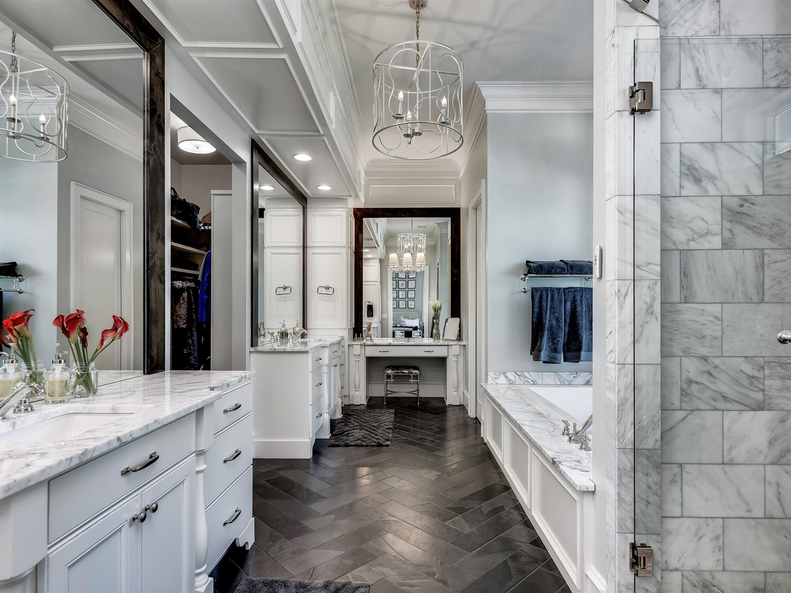 044_Master Bathroom .jpg