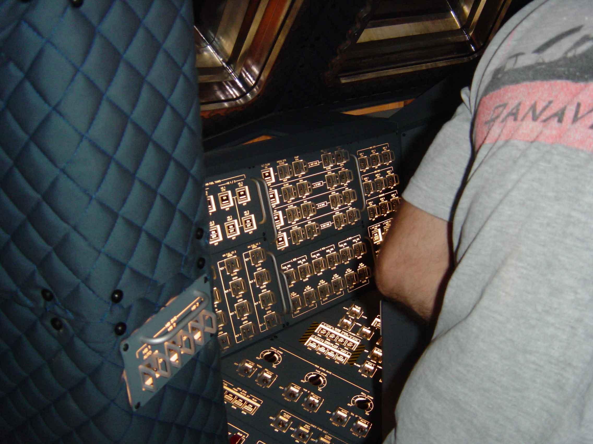 shuttle cockpit #3.jpg