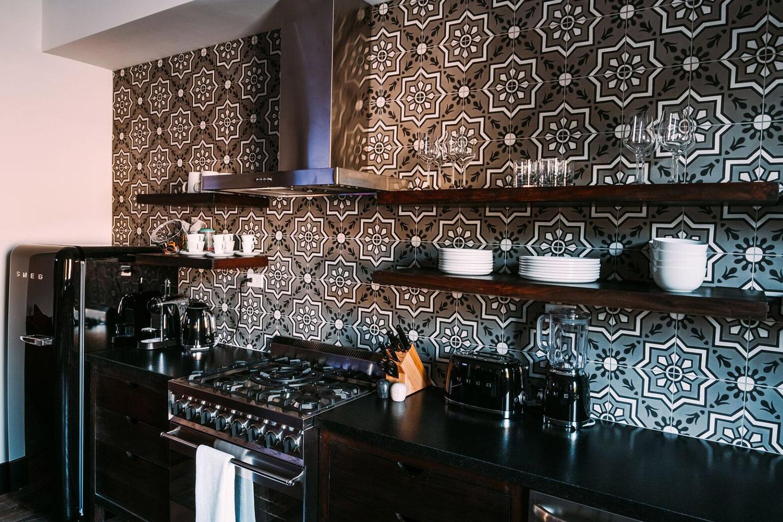207-Kitchen.jpg