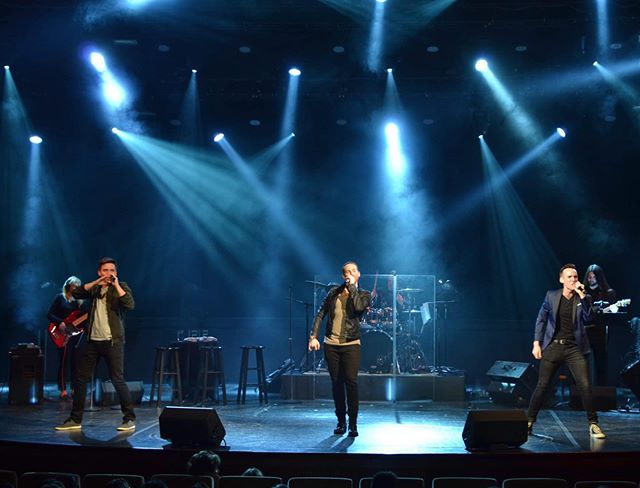 Another shot from our @celebritycruises debut on #celebritysolstice Tuesday. Shout out to lighting designer James for working overtime to make us into true rockstars! @barryballartists . . . . . #nyc3 #singing #nyc #manhattan #singinggroups #instasinging #music #instamusic #musician #musicians #singers #boyband #justintimberlake #brunomars #edsheeran #adamlevine #maroon5 #onedirection #thevoice #xfactor
