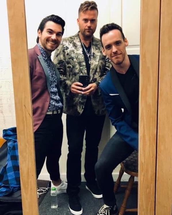 A pre-show pic from last night in the #Catskills... . . . . . #nyc3 #singing #nyc #manhattan #singinggroups #instasinging #music #instamusic #musician #musicians #singers #boyband #justintimberlake #brunomars #edsheeran #adamlevine #maroon5 #onedirection #thevoice #xfactor