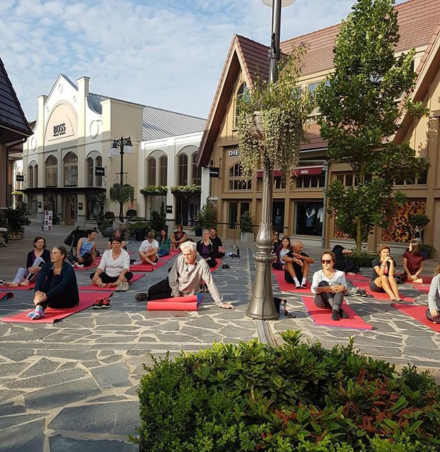 -The ☀️ was out so under a beautiful blue sky, we stretched our bodies an put our mindset on Super Positive this morning @mmvillage I truly truly enjoyed this session. For everybody who joined us, thank you for coming and enjoy your day! 💛🧡❤ #love #happy #yoga