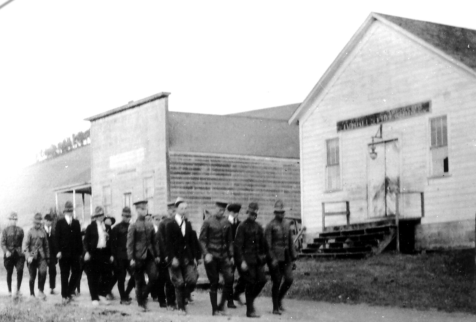 WWI ROTC soldiers 1917 in front of original Hall.