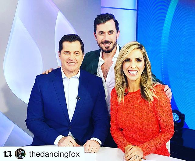 What a pleasure meeting the super talented and sweet @thedancingfox - you may have seen him on the stage in Jersey Boys and currently in Saturday Night Fever.. now doing a one man show! . . .  #Repost @thedancingfox ・・・ ☘️💚Loved chatting all things #theirishboy on @dailyeditionon7 with these 2 absolute gems! 💎💎@samantha_brett @ryanphelan_tv