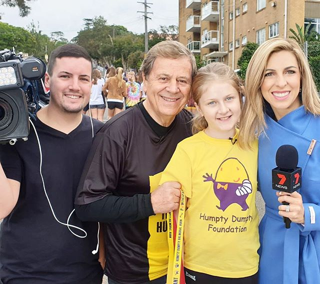 It's that time of the year again where 10,000 people come out to participate in the Balmoral Burn, raising more than $2m for lifesaving equipment through the @humptydumptyfoundation to help sick kids in hospitals. That's Lauren Channon in the photo next to @raymondgmartin - she's had over 100 operations and at just 11 years old, she's raised over $20,000 for Humpty this year!! And despite a recent operation, she's walking today. What an inspiration. 🙌 🏃♀️ #humptydumptyfoundation #balmoralburn2019 @7newssyd